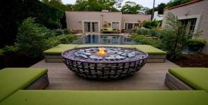 Firepit-Backyard-01.620x315