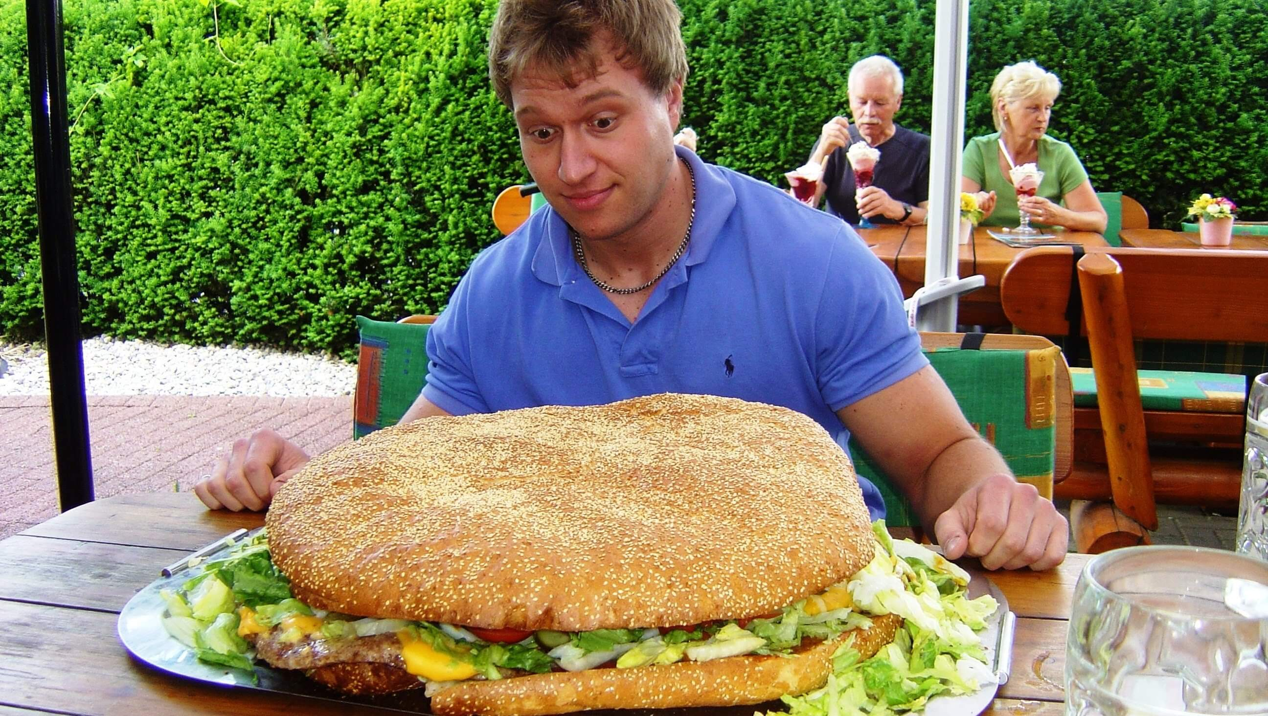 Restaurants Italian Near Me: Massive Huge Burgers
